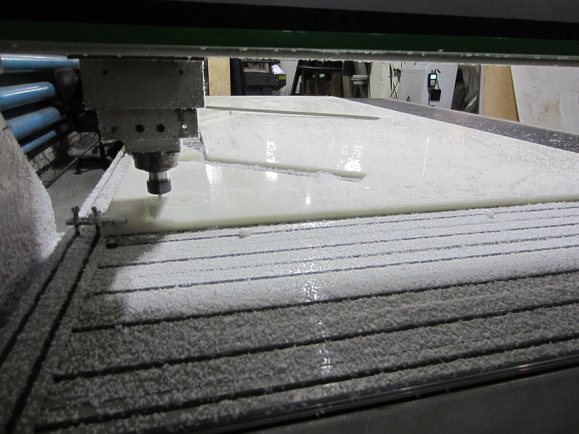 Фторопластовые листы PVDF и ECTFE фрезерная резка чпу